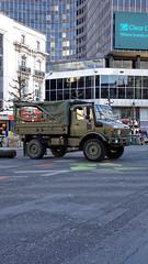 2016-04-15_18-08-27_DSC-HX90V_4033_DxO (miguel.discart) Tags: 2016 37mm createdbydxo divers dschx90v dxo editedphoto focallength37mm focallengthin35mmformat37mm iso80 militaire military pedestrian photoderue photography pietonnier sony sonydschx90v street streetphotography
