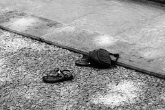 Oggetti abbandonati (claudia.dambros) Tags: objets objects blackandwhite biancoenero