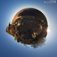 Planet Grootberg (dieLeuchtturms) Tags: 1x1 afrika canyon damaraland etendekaplateau grootberg kliprivier kunene namibia quadrat sonnenuntergang tafelberg quadratisch square sunset wallpaper africa littleplanet