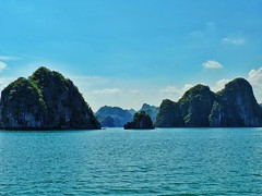 What a day. Beautiful views.  #halongbay #halongbaycruise #vietnamtravel #vietnam #paradisefound #travel #trip #roundtheworld #worldtrip #travelpics #travelphotography #traveladdict #lonelyplanet #travelporn #backpacking #backpacker #backpac (oetsie) Tags: what day beautiful views  halongbay halongbaycruise vietnamtravel vietnam paradisefound travel trip roundtheworld worldtrip travelpics travelphotography traveladdict lonelyplanet travelporn backpacking backpacker backpackerlife backpackingdream backpackingasia backpackingadventures traverseearth awesomeearthpix