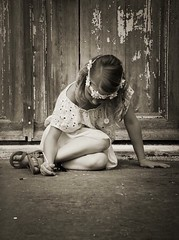 Creative  (heidikesteloot) Tags: faceless flowers crown blond hair girl child photography mextures monochrome portrait