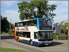 17695, Long March (Jason 87030) Tags: stagecoach trident plaxton president x705jvv 17695 d2 longmarch estate road northants northamptonshire august 2016 doubledecker dennis tree summer sky light sunny bus transport route