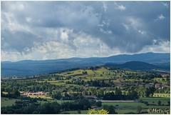 uitzicht over het dal (HP016600) (Hetwie) Tags: view lepuyenvelay notredamedupuy stmichel church kapel kerk uitzicht cathedrale frankrijk auvergne