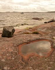 What will be next? (Basse911) Tags: rock granite sea water balticsea boat autumn syksy september syyskuu hang hanko finland suomi nordic