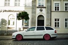 (Marco Antonecchia) Tags: contaxt2 contax filmphotography analog wheels pink 35mm skoda filmisnotdead streetphotography car film macchina