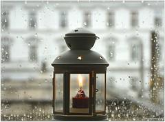 Lichtblick (mayflower31) Tags: laterne kerze candle fensterscheibe window regentropfen drops rain