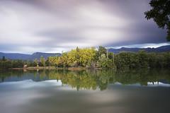 The Colors are Changing (magomu) Tags: estany calgarret estanque avi barcelona pond filtro lee filter bigstopper nd grauges