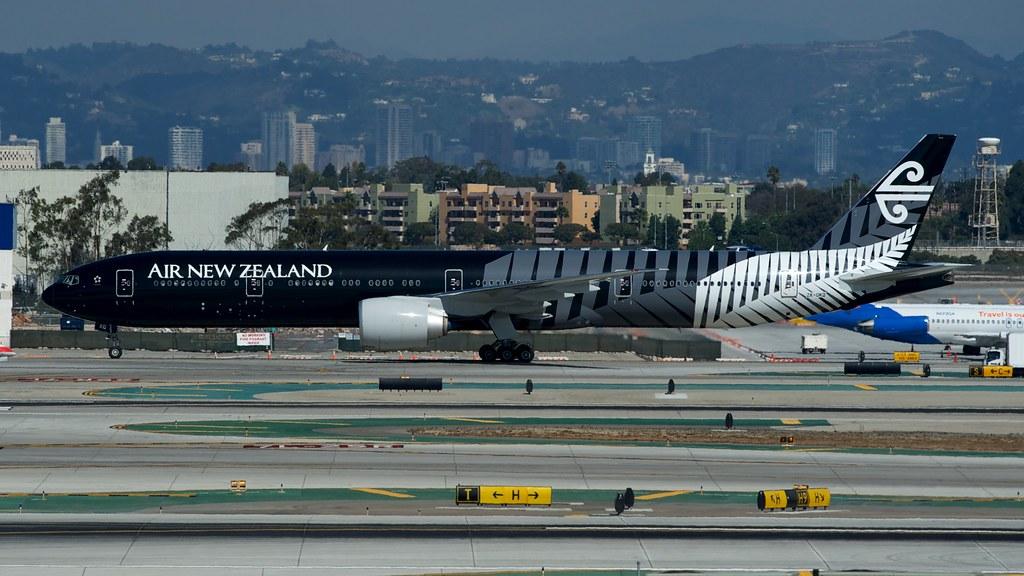 Air New Zealand Boeing 777-300ER ZK-OKQ by BriYYZ, on Flickr