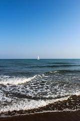 Narbonne plage (LassDieMusikAn) Tags: strand frankreich meer sonne narbonne segelboot wellen mittelmeer sden