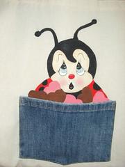 Joaninha no bolso (Pintura em tecido. Panos de prato.) Tags: joaninha
