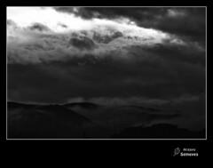 Recuperada del baúl fotográfico (Argayu) Tags: blackandwhite blancoynegro nikon asturias bn nubes asturies blancuynegru nikond5000 ñubes blancuyprietu