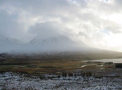 Luss (Maz 76) Tags: winter snow cold grey scotland scenery dusk dumbarton westcoast benlomond stormysky lochlomond luss munro snowcappedmountains a82 argylebute takethehighroad lusspier michelleoconnell mariefindlay darkvillage