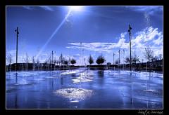 Parque de las aguas (Ramirez de Gea) Tags: blue water landscape agua paisaje santasusana flickrestrellas nikonflickraward goldenawardlostcontperdidos