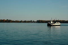 "Toronto Islands with Ferry • <a style=""font-size:0.8em;"" href=""http://www.flickr.com/photos/59137086@N08/8121367756/"" target=""_blank"">View on Flickr</a>"