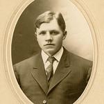 PEM-THO-00346 Portrett av ung mann thumbnail