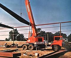 Bantam ''Telekrane'' (PLEIN CIEL) Tags: crane grue bantam koehring truckcrane gruemontéesurplateformemotorisée bantamtelecrane