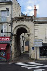 Nevers (Nivre) (sybarite48) Tags: nevers france glise kirche church   iglesia  chiesa kerk koci igreja  kilise porte tr door   puerta  porta  deur drzwi  kap nivre glisesaintsauveur