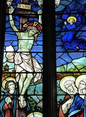 Newbury, St Nicholas Church - Stained Glass (Glass Angel) Tags: newbury stnicholaschurch stainedglasswindows hardmancoofbirmingham parishchurch englandsthousandbestchurches simonjenkins johnhardmanstudios stnicolaschurch westberkshire berkshire crucifixion