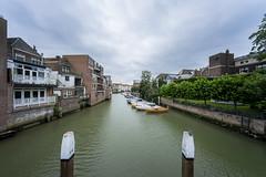 Canal View (Blende1.8) Tags: wasserstrase wasserstrasse kanal niederlande canal europe netherlands europa dordrecht boats boote architecture architektur water bebauung clouds cloudy sony a7ii a7m2 ilce7m2 voigtlnder 10mm weitwinkel wide wideangle ultraweitwinkel