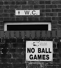 138/366 They Knew (andrew.varney) Tags: signs humour monochrome urban streetphotography street blackandwhite blackwhite nikon d5100 365 366 uk outdoors outside