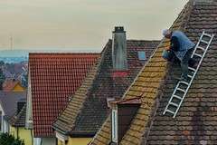 Job with a view (FocusPocus Photography) Tags: dach roof view aussicht work job arbeit gefhrlich dangerous