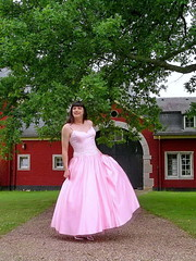 Super skirt (Paula Satijn) Tags: girl gurl lady dress gown ballgown pink skirt garden outside pretty smile tgirl
