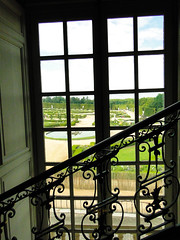 Chateau du Versailles (A.Canina) Tags: paris france window versailles chateau stair garden