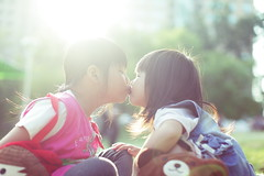 (AskaSin) Tags: family love canon eos kid kiss   5dmark2