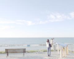 Say cheese! (hisaya katagami) Tags: camera family sea sky people japan japanese snap digitalcamera gr ricoh grd3