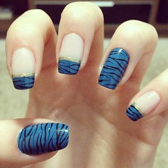 Zebra (Sara Moreira de Oliveira) Tags: cute azul nail nails zebra unhas nailart capricho zebrinha unhasdecoradas unhaazul unhadasemana unhasdezebra clubedoesmalte
