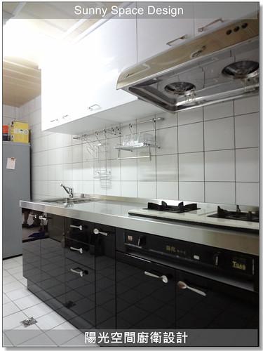 廚具│廚房設計│廚具大王林易延-新莊福樂街林先生一字型廚房:不銹鋼檯面+水晶門板-陽光空間精品廚具7