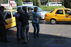 2012_Izmir_003 (emzepe) Tags: yellow jaune turkey square fight hit downtown cab taxi trkiye turquie trkorszg trkei driver bully vita 2012 taxicab izmir taksi quarrel gelbe harass harassment tr srga sz oktber basmane sofr veszekeds bnt veszekednek verekednek taxisofr verekszik bntja sofrk pofoz pofozza veszekedik