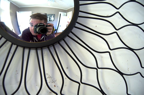 Spray Paint a Sunburst Mirror