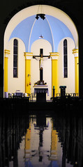 Presbitério (mauroheinrich) Tags: brasil night 50mm nikon 14 altar noturna nikkor nikondigital riograndedosul religião fé crença nikonians ibirubá nikonprofessional fotógrafosbrasileiros fotógrafosgaúchos presbitério fotógrafosdosul mauroheinrich