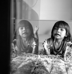 afrina (atfal al-hejara) Tags: portrait bw 120 6x6 tlr film monochrome kids analog mediumformat square kodak trix naturallight 400 epson manual twinlensreflex yashicamat 80mm f35 yashinon v700 epsonscan