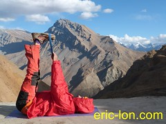 Eric Lon yoga at Demul (18) (Eric Lon) Tags: india cold yoga energy dynamic tibet heat practice souffle himalaya breathe froid warming spiti breathing inde tibetain himalayen chaleur activate respiration ericlon rechauffer demul acriver