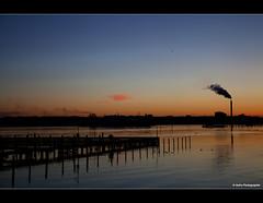 Ankunft in Kiel (geka_photo) Tags: deutschland wasser kraftwerk sonnenaufgang kiel fähre schleswigholstein stena kielerförde förde gkk gekaphoto