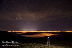 Santander, niebla, CL y estrellas (www.josemiguelmartinez.es) Tags: stars noche nightscape astrophotography astrofotografa estrellas nocturna vega niebla cl cantabria norte tf deneb osamayor mardenubes 2013 contaminacinlumnica ri
