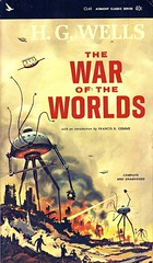 The War Of The Worlds (Wires In The Walls) Tags: vintage book paperback cover scanned scifi sciencefiction 1960s spacecraft waroftheworlds 1965 hgwells cl45 airmontclassic