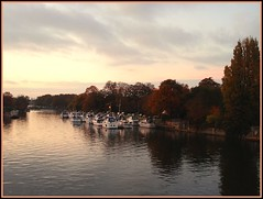River Thames (mala singh) Tags: sunset england water thames river hamptoncourt