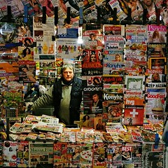 What's the news today... (Frank van de Loo) Tags: portrait hungary market retrato budapest streetportrait mercado streetphoto marketplace markt portret mercato march ritratto ungarn hungria marktplatz streetshot ungheria hungra portrtt hongarije hongrie tr streetpicture nagycsarnok bildnis streetpic fvm fvmtr straatportret dsc0788 pleasenonotesonmypictures