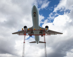 Planespotting (VIII) (Jack Landau) Tags: planespotting airplane aeroplane aircraft flight landing wings toronto pearson international airport yyz jet plane