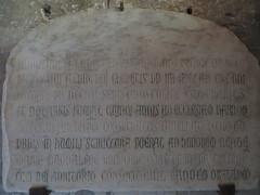 Piedra dedicatoria 1272, Narbona (kakov) Tags: narbonne narbona languedocroselln siglo xiv century 14th museoarqueolgico archeologicalmuseum capillamagdalena chapelledelamadeleine