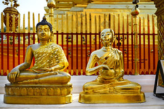 Bronze Buddha and The Golden Alms Giver at Doi Suthep (Anoop Negi) Tags: doi suthep sculpture buddha golden pagoda thailand chinagmai photography travel anop negi ezee123
