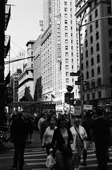 Wellington (Jim Davies) Tags: photography analogue film veebotique 35mm olympus om10 50mm slr 400asa monochrome analog kodak bw400cn chromogenic c41 nyc newyorkcity usa america city metropolis manhattan