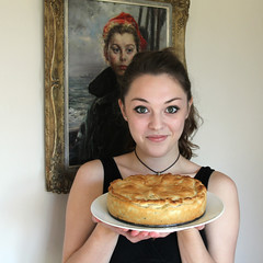 apple pie (unexpectedtales) Tags: sea apple robin painting pie oil imogen weekly urchin goodwin youtube imogenx