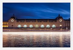 Orsay by night (Guillaume VX) Tags: longexposure paris color reflection seine clouds buildings river reflet filter nuages orsay couleur fleuve lightroom filtre btiments poselongue nd8 leefilters 06ndgrad 09ndgrad baladesparisiennes