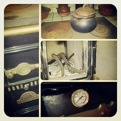 """Mi vieja cocina sigue dando el calor que necesito para que mis viejos huesos no """"tiriteen"""" ante tanta frialdad de los sentimientos dormidos por el yugo de la novedad. #Tenerife #canaryisland #Canarias #iger #igercanarias #instagram #antiguo #muebles"""