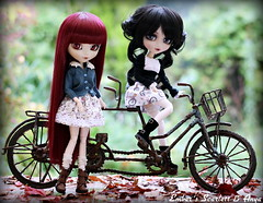Bike ride (pure_embers) Tags: old uk girls friends red scarlett cute love bike dark dolls ride gothic rusty queen hood pullip bloody tandem pure lunatic anya embers obitsu lunaticqueen
