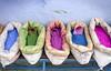 Colores... (Héctor Lago) Tags: verde azul canon colours indigo rosa colores maroc 7d marruecos fucsia pintura sacos chouen xauen